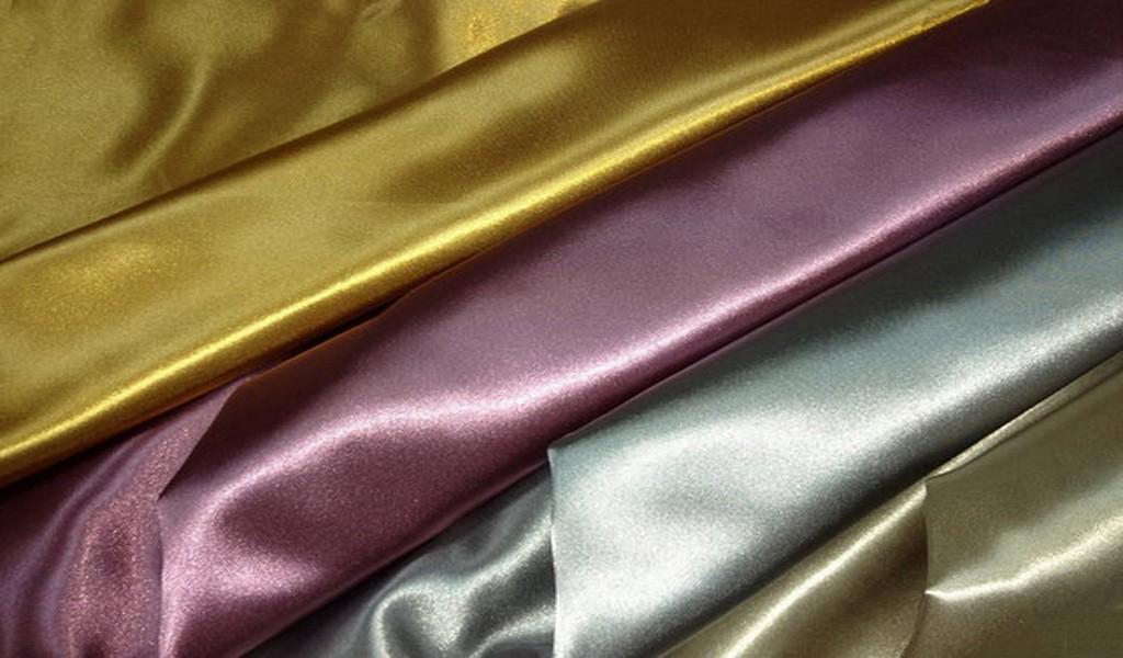 blackout_curtain_fabric_glossy_.jpg